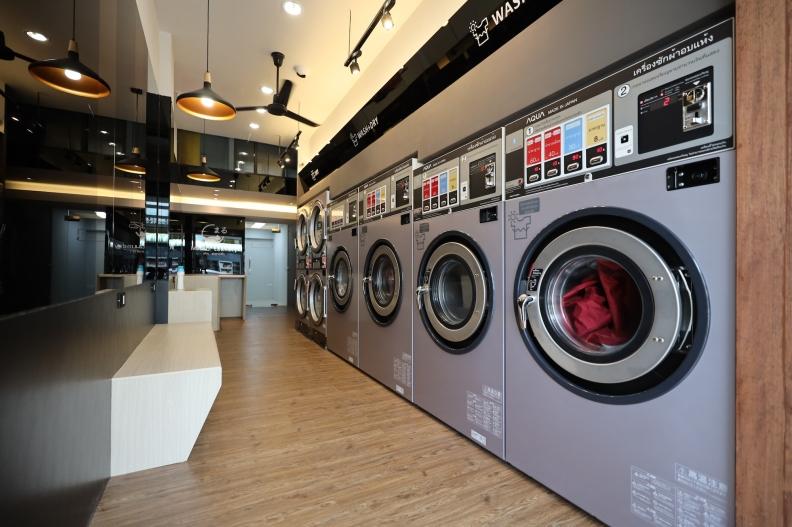 MARU 1st Store in Thailand_01