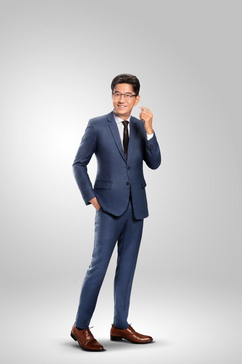 Duu Sanya Kunakorn Essilor Brand Ambassador