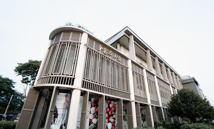 Montatip Hall 04